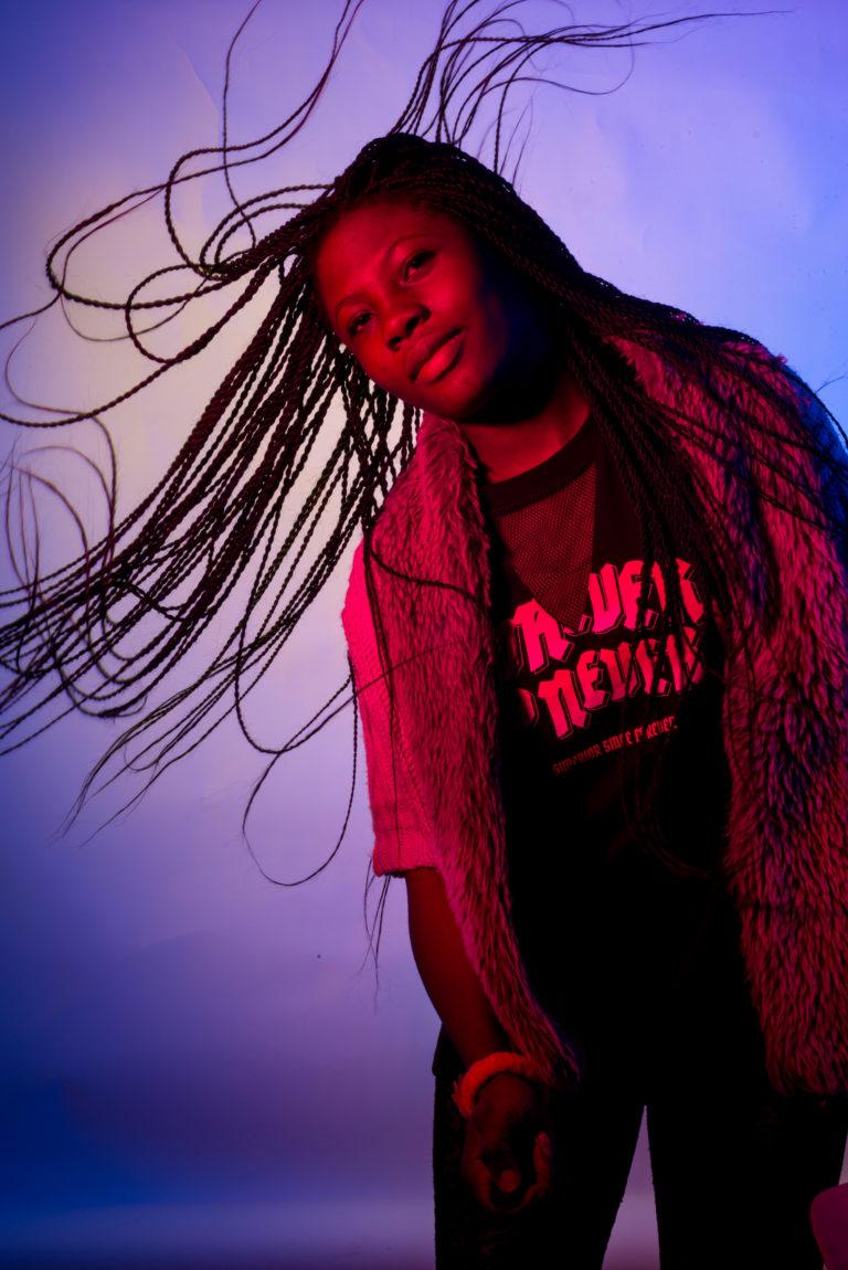 Ik ben Sebastina uit Ghana. Ik ben 17 jaar. Ik hou van films en muziek.