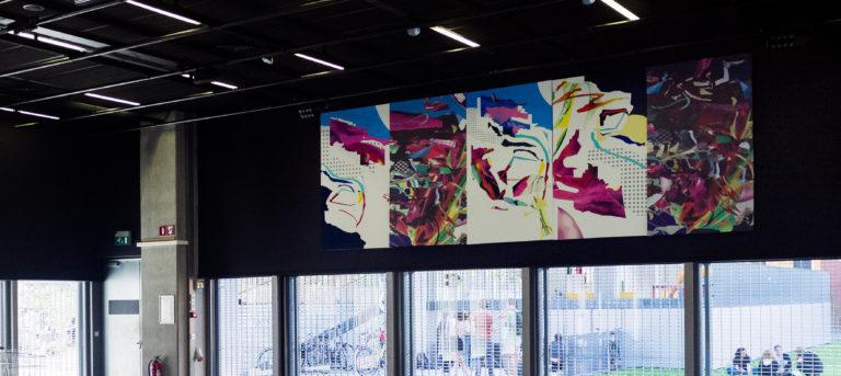 Vijfluik. Olie-, acryl-, lakverf en print op doek,  200cm X 600cm